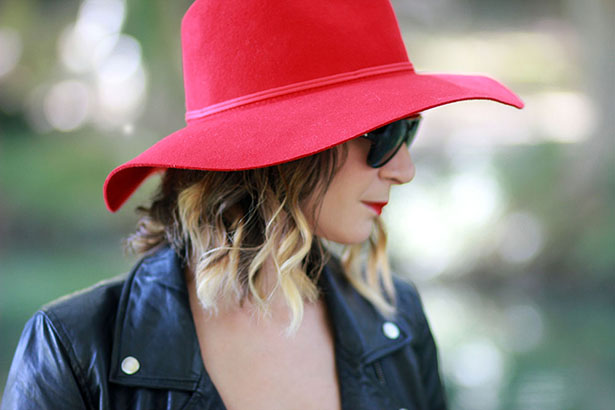 hat red zara