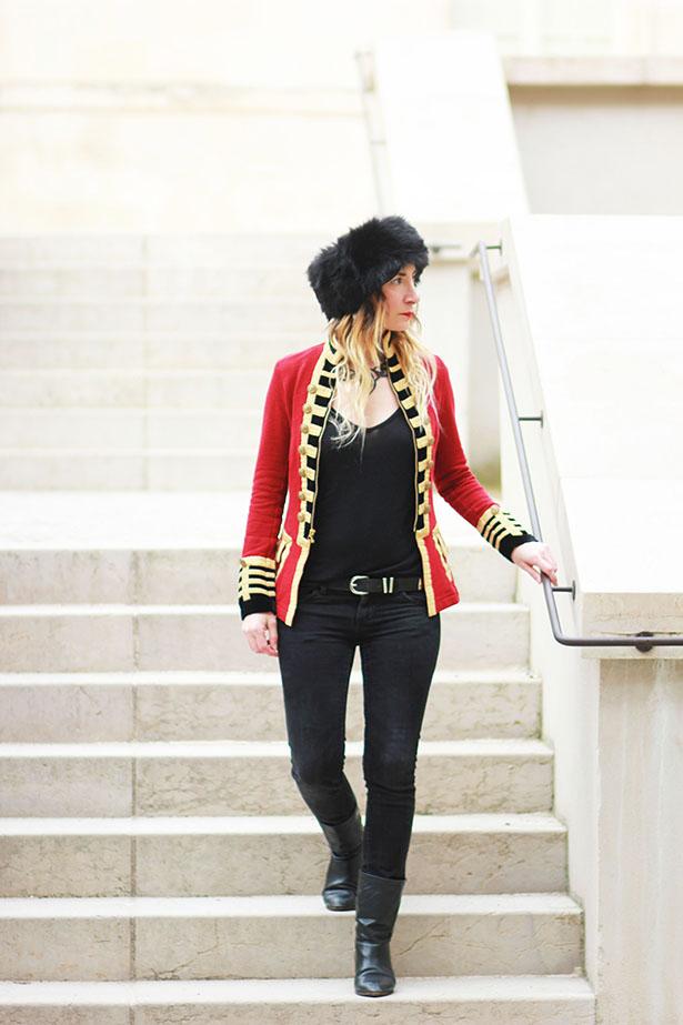 veste-officier-rouge-dore