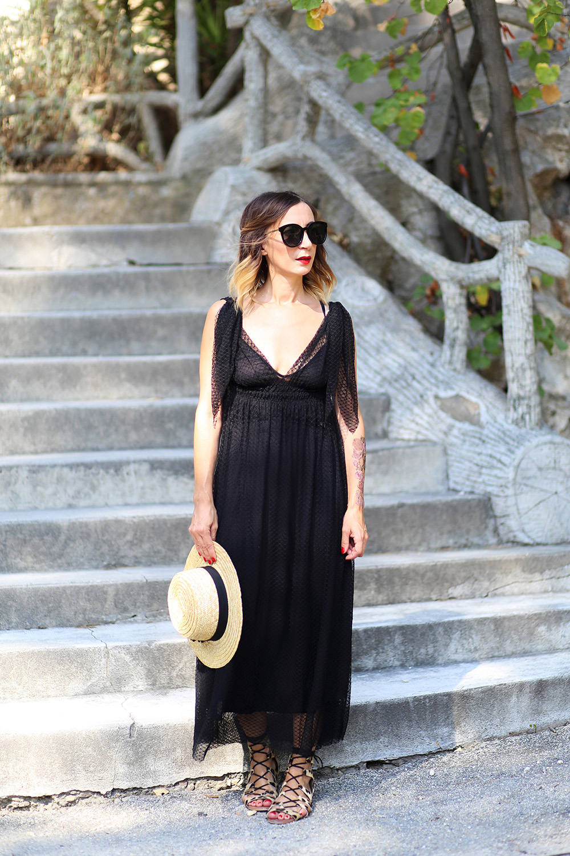 robe-noire-gat-rimon