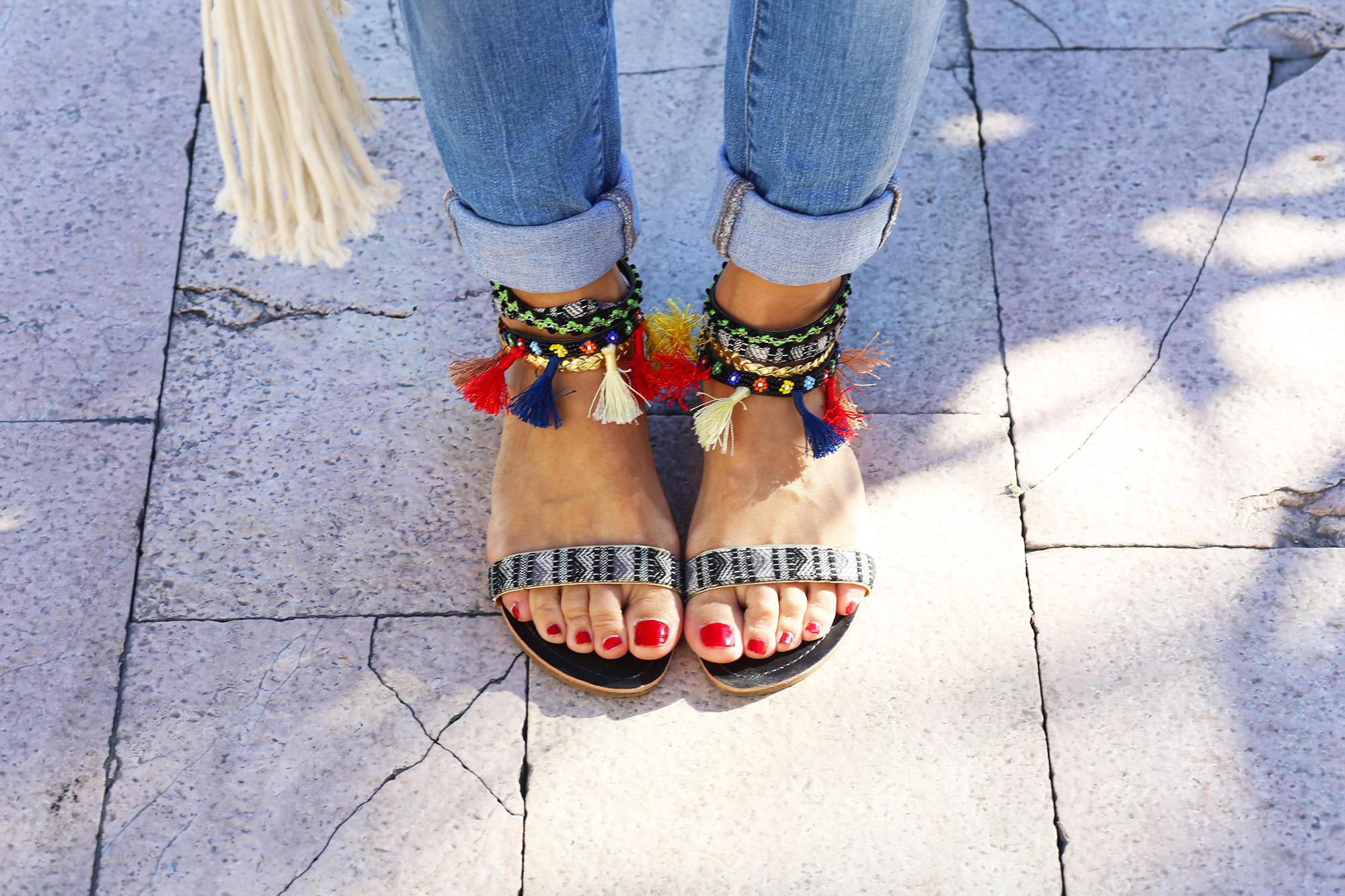 sandales-pompons