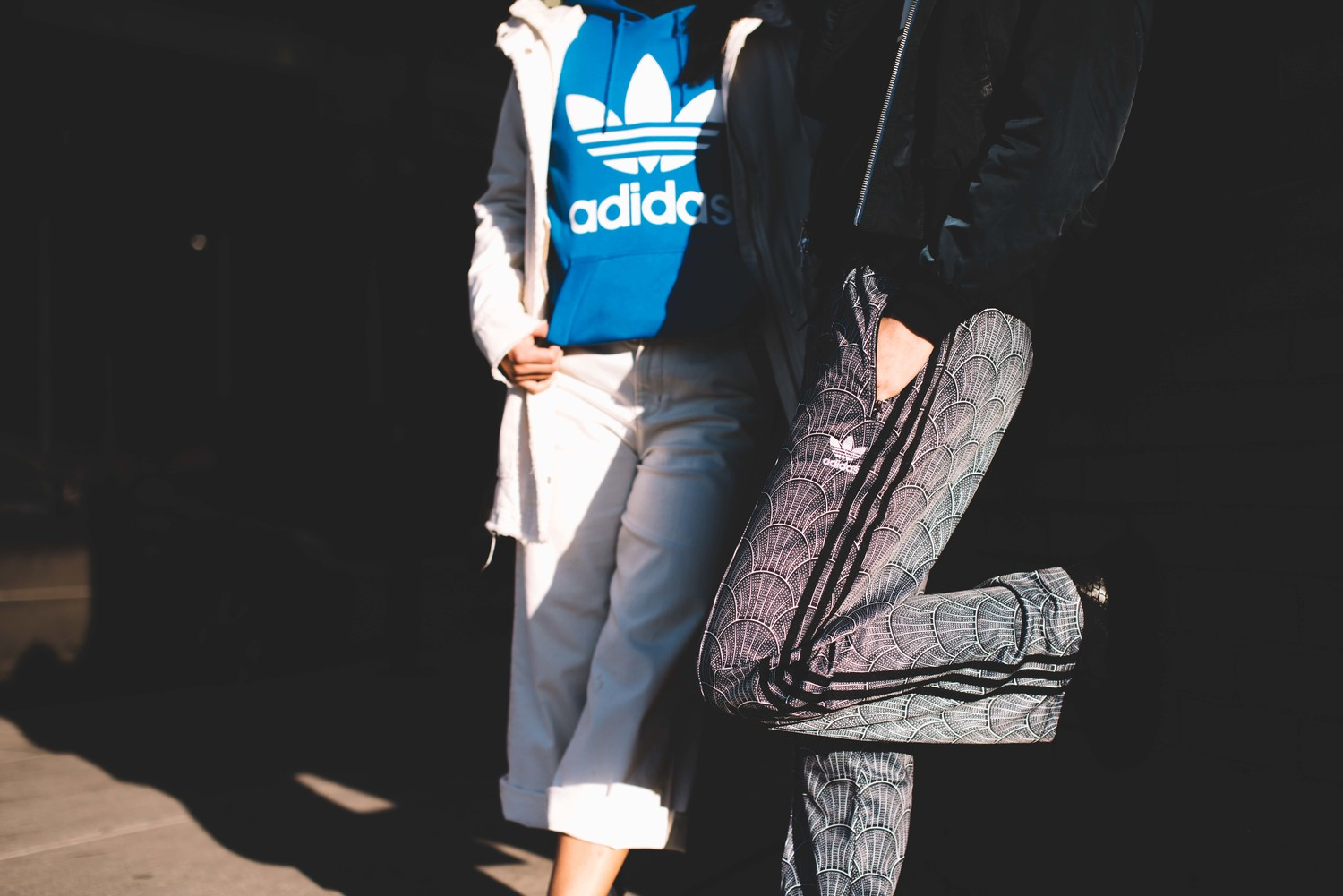 sweat bleu Adidas