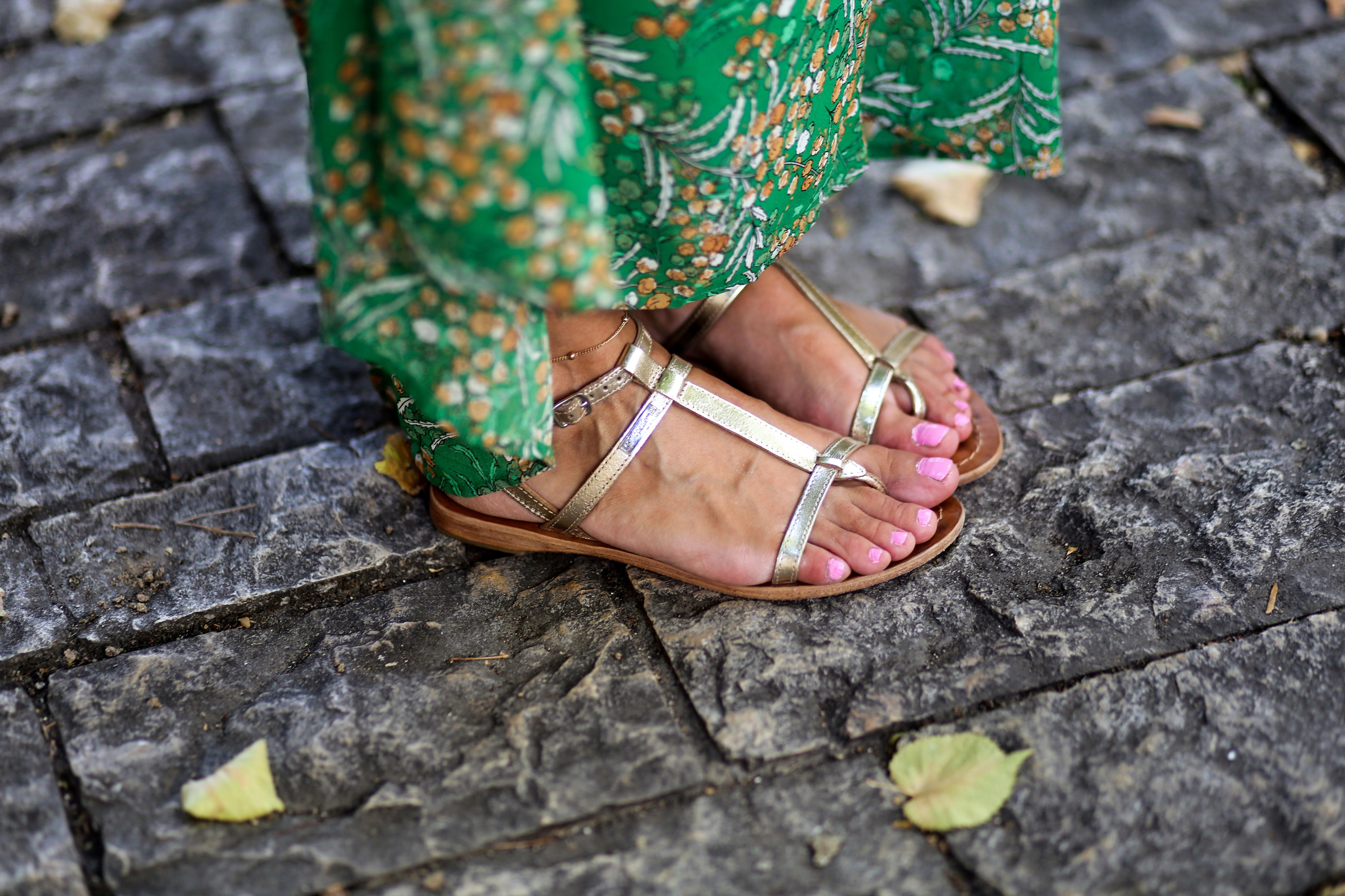 sandales dorés tropéziennes